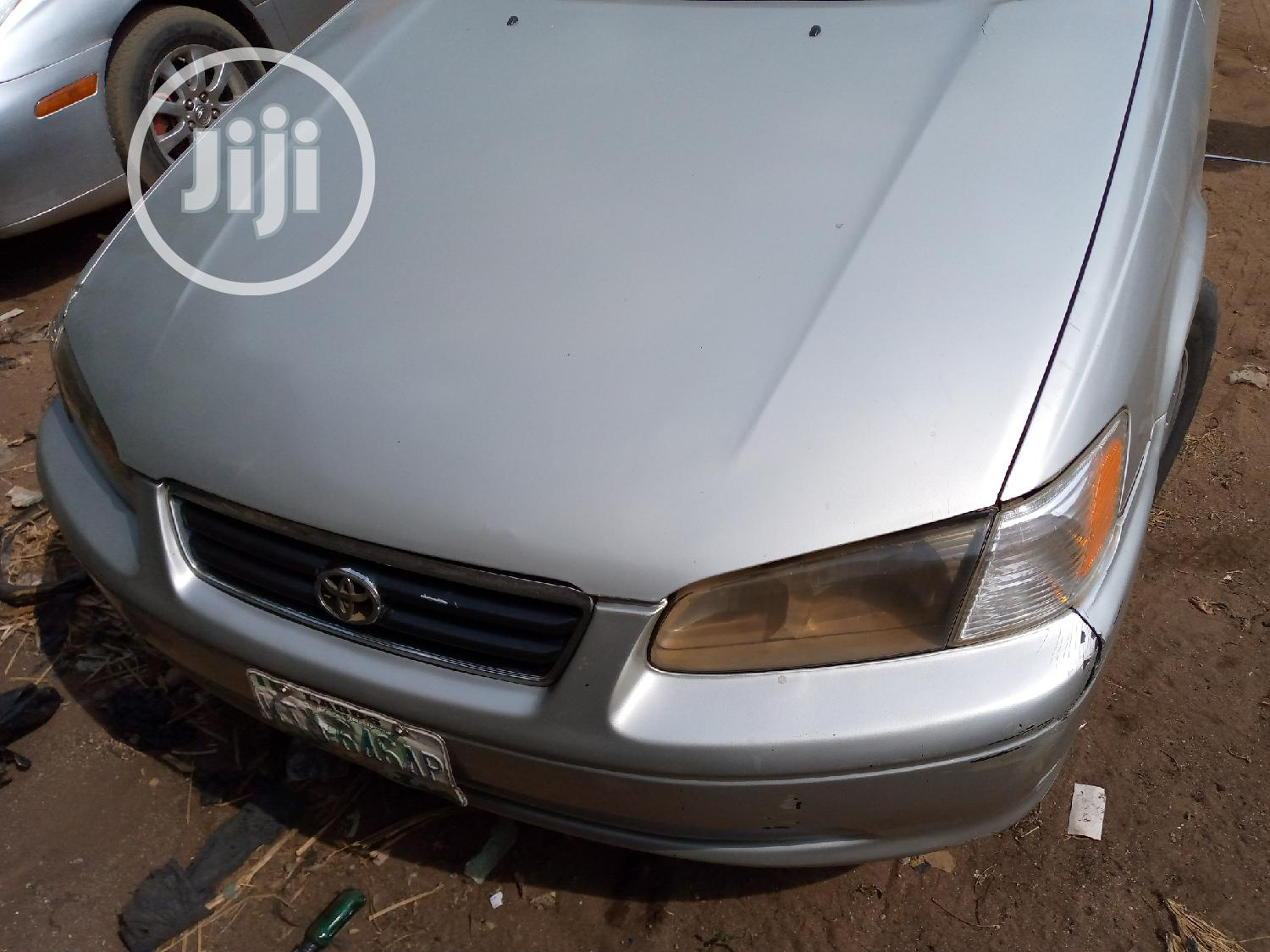 Toyota Camry 2002 Silver