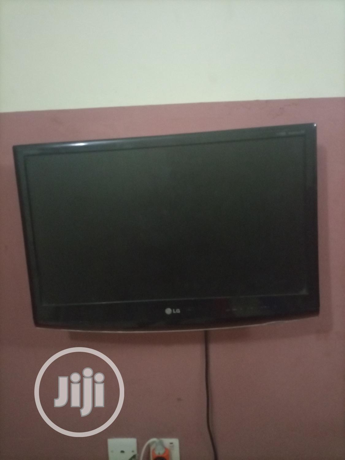 Archive: LG Tv 32inches TV Works Perfectly