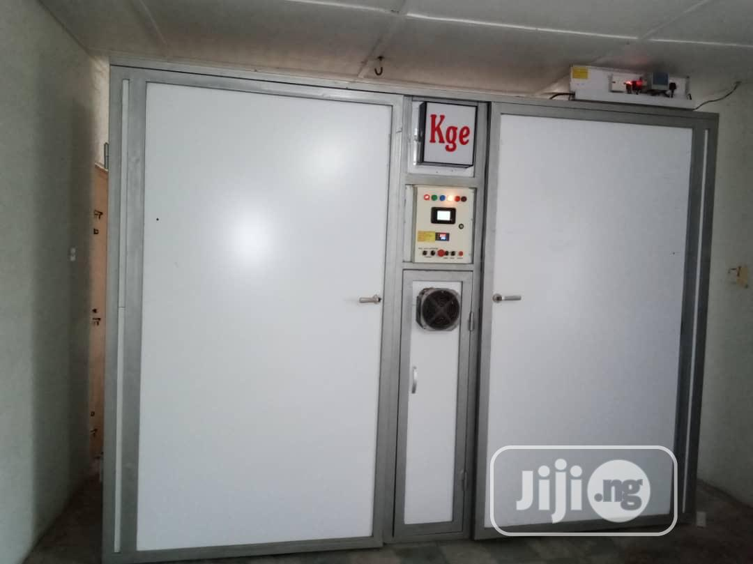 Archive: KGE Automatic Incubator 3120 Capacity