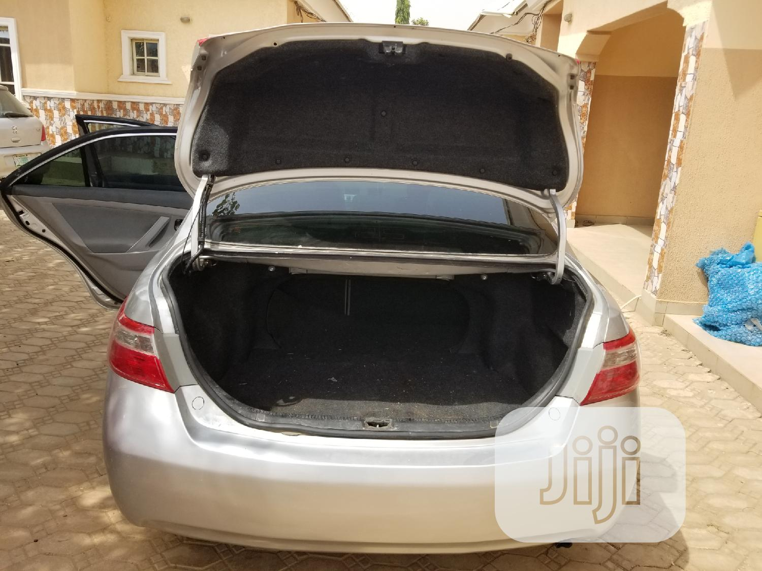 Archive: Toyota Camry 2009 Silver