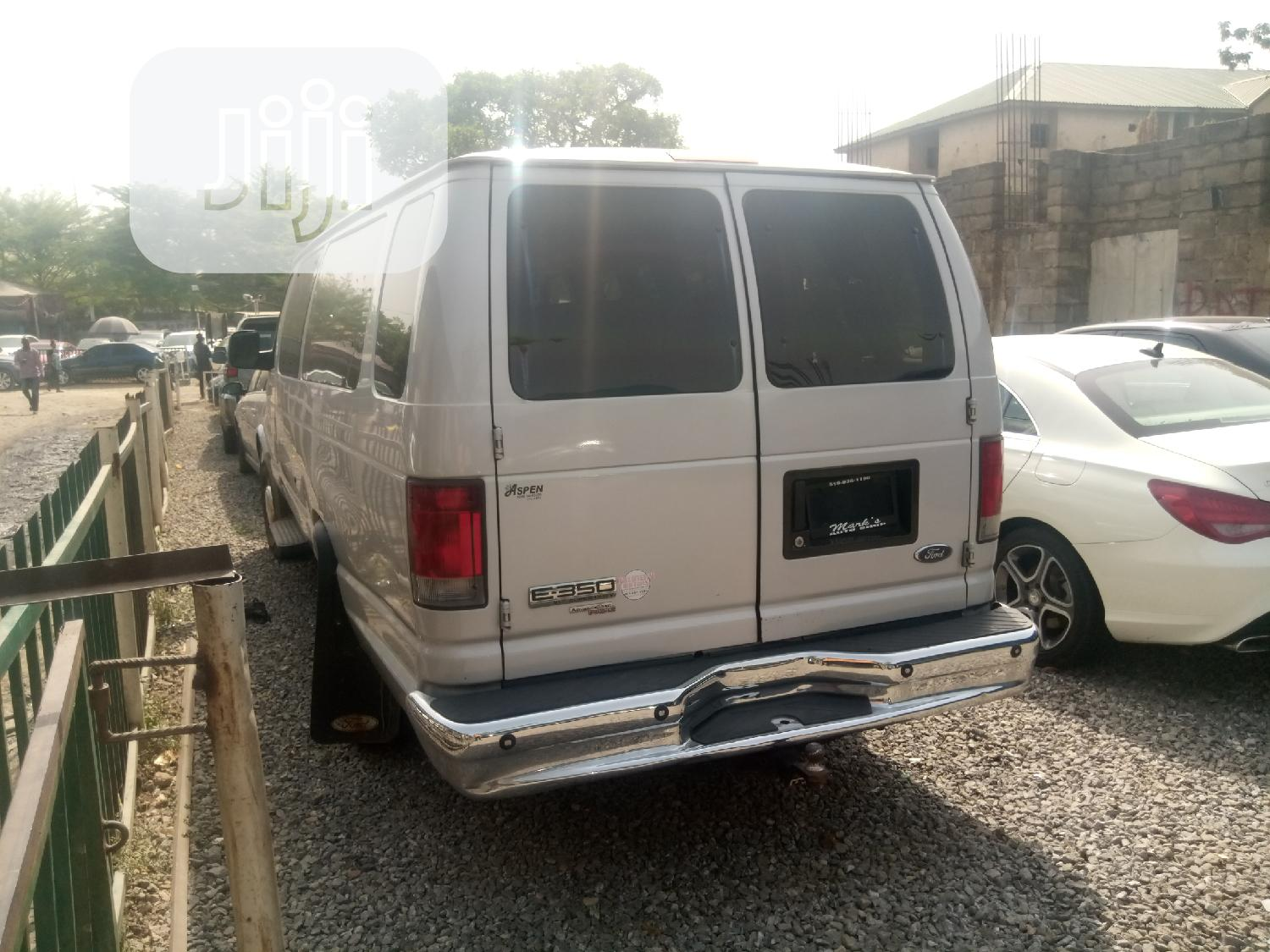 Ford Bus E-350 | Buses & Microbuses for sale in Central Business Dis, Abuja (FCT) State, Nigeria