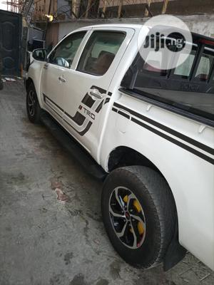 Toyota Hilux 2019 SR5+ 4x4 White | Cars for sale in Lagos State, Ajah