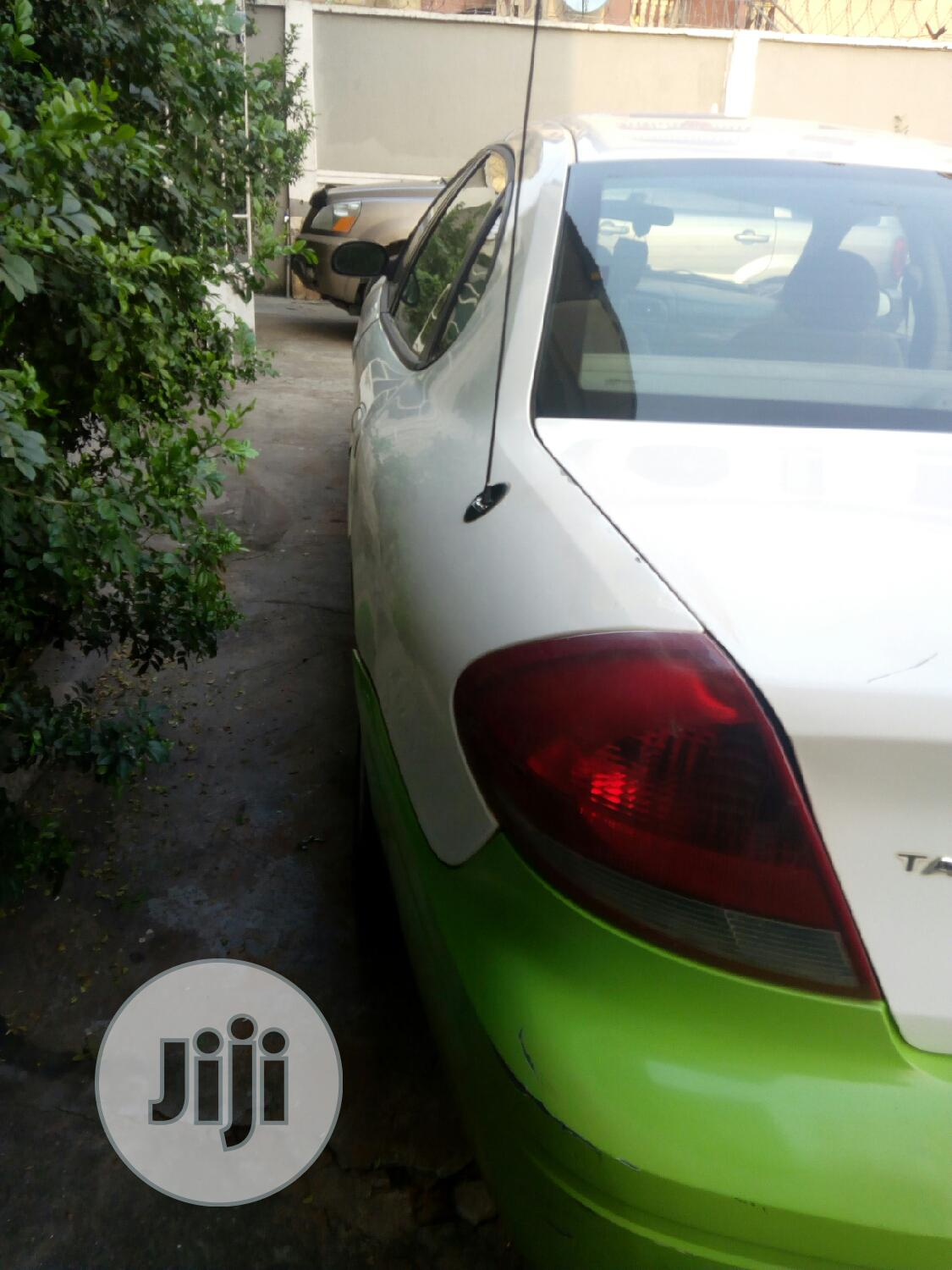 Ford Taurus 2007 White | Cars for sale in Ojo, Lagos State, Nigeria
