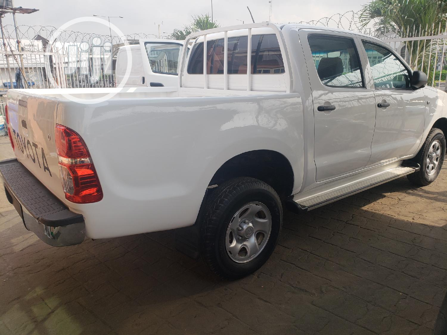 Toyota Hilux 2012 White   Cars for sale in Surulere, Lagos State, Nigeria