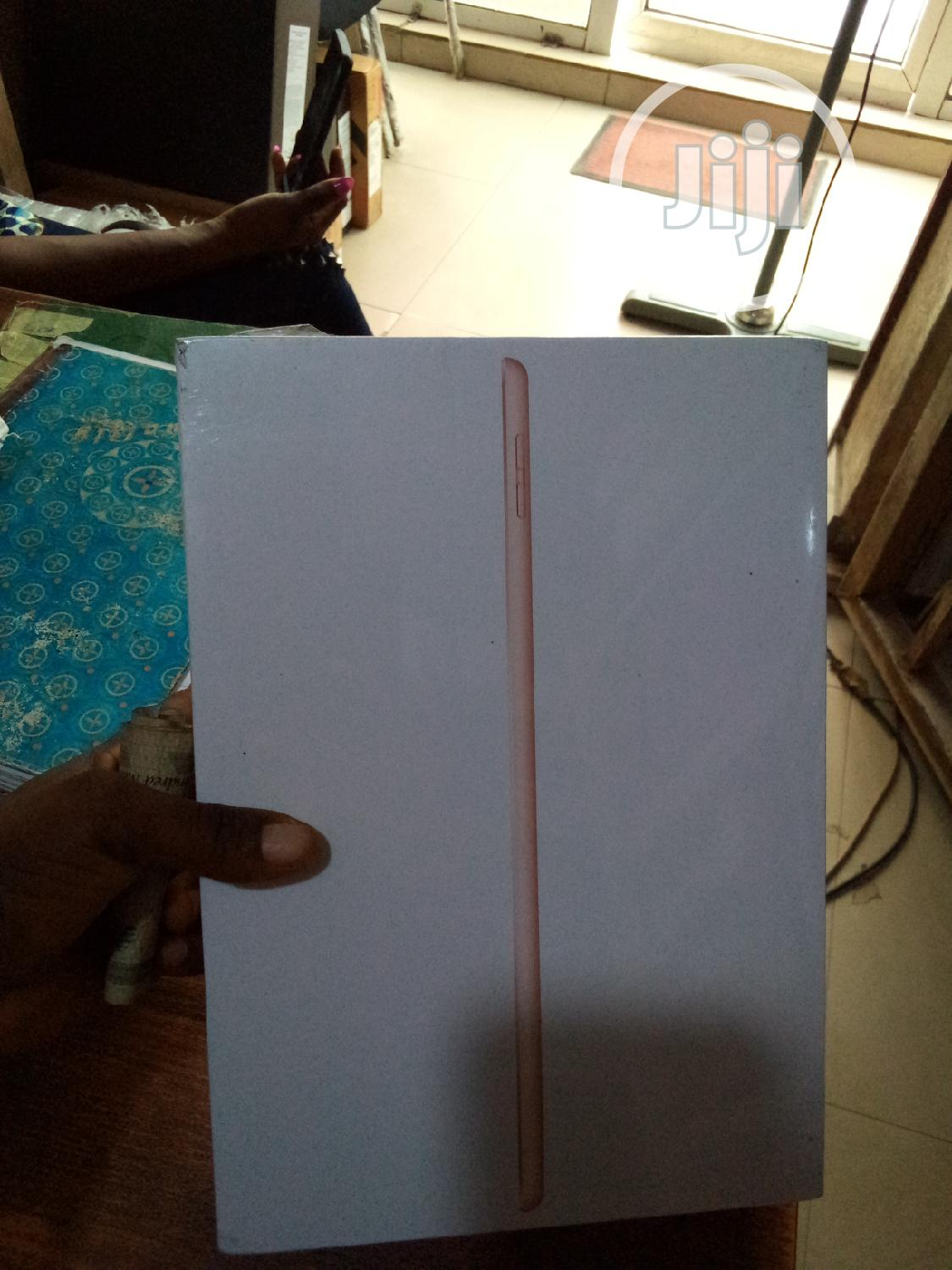 New Apple iPad 10.2 (2019) 32 GB