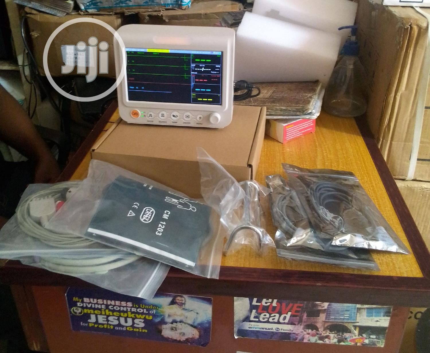 Brand New 4 Parametres Patient Monitor | Medical Supplies & Equipment for sale in Lagos Island (Eko), Lagos State, Nigeria