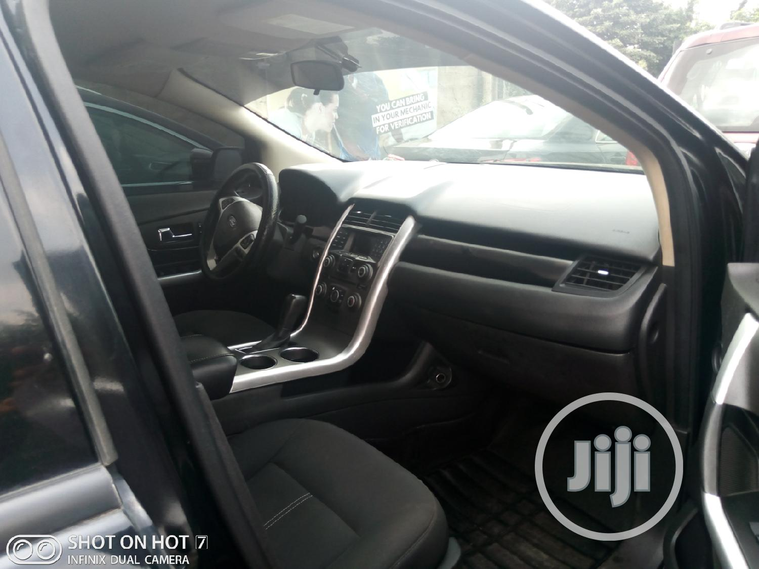 Archive: Ford Edge 2012 SE 4dr FWD (3.5L 6cyl 6A) Black