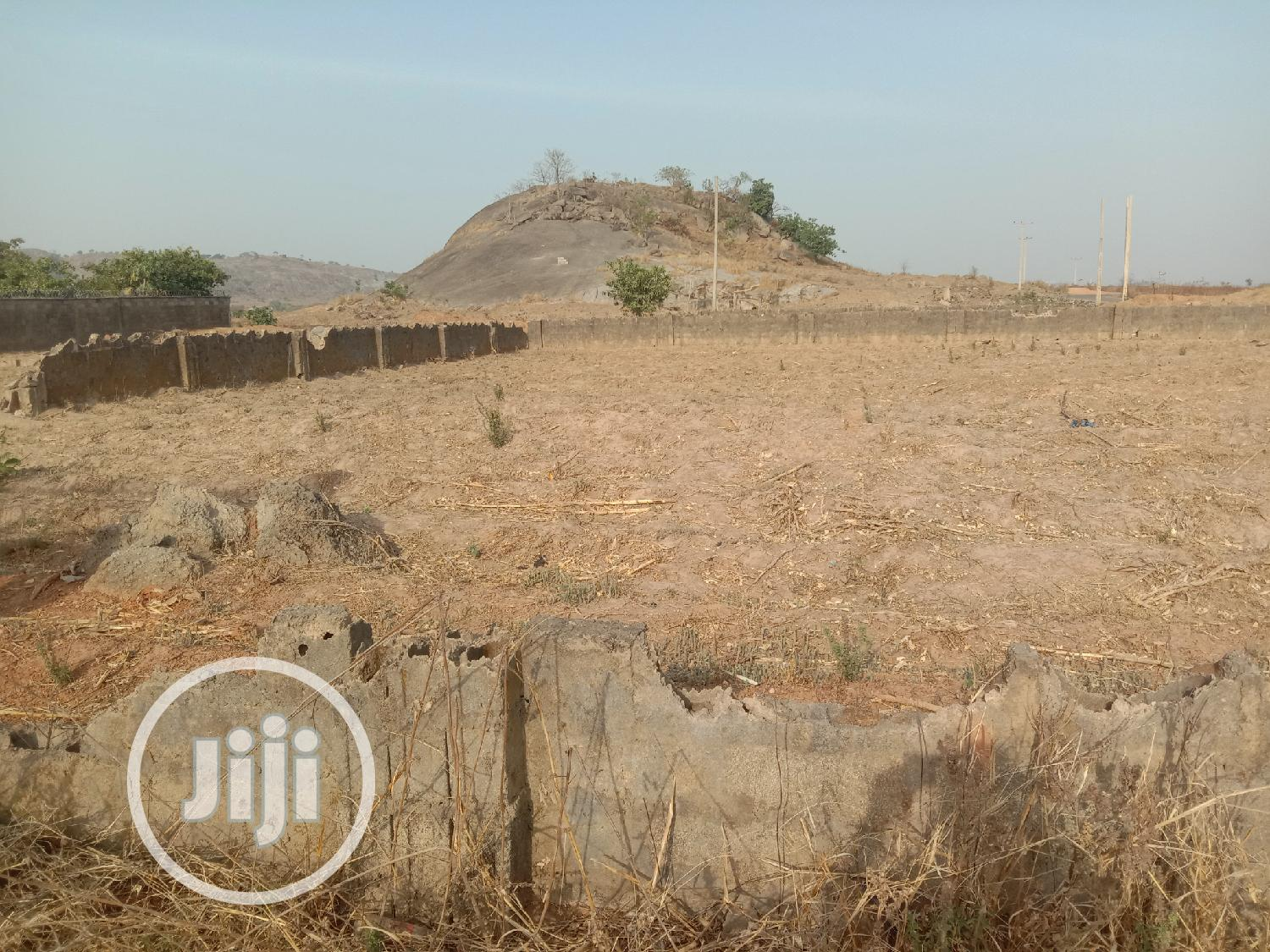 Archive: 1000sqm Of Residential Land For Sale At F02, Bwari