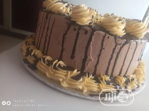 Dipping Butter Iceing Cake 8 Inches Available | Meals & Drinks for sale in Abuja (FCT) State, Kubwa