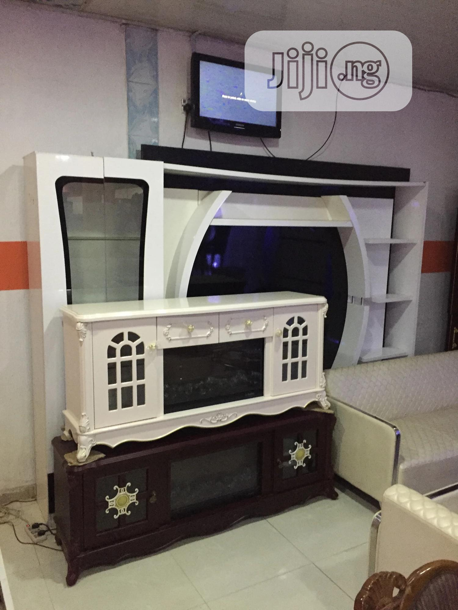 Orignal Fire Plate Tv Stand With Remote Controller | Furniture for sale in Ikeja, Lagos State, Nigeria
