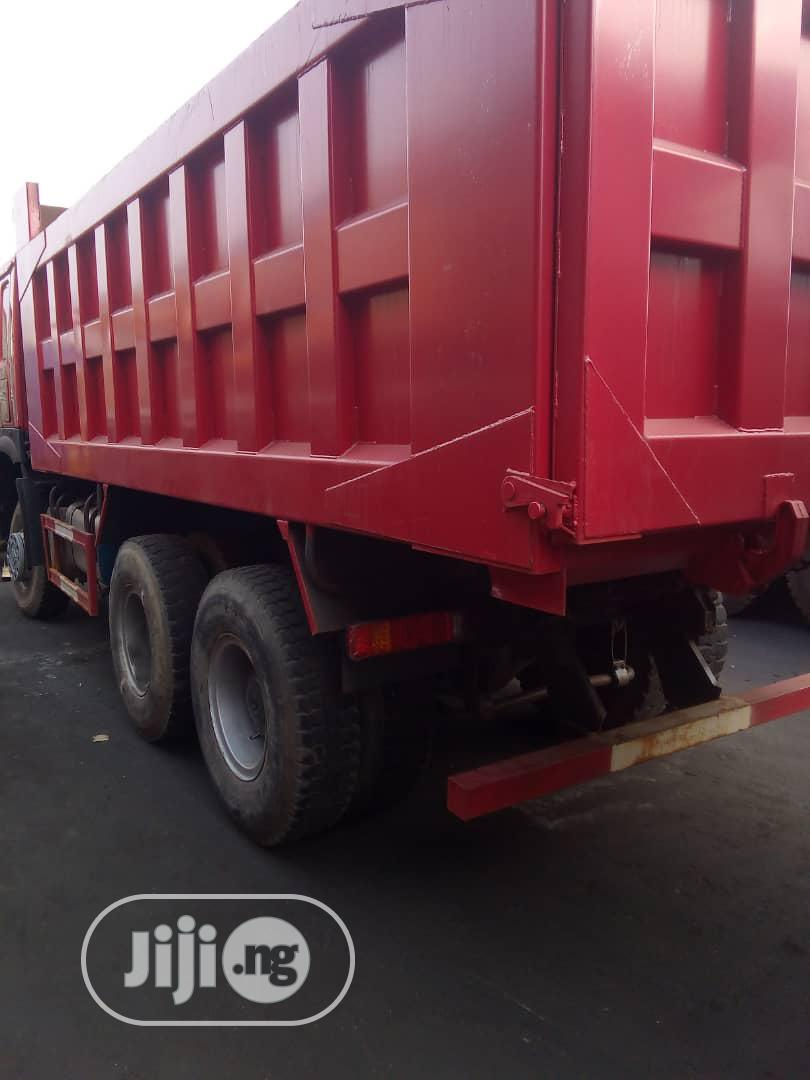 Archive: Tipping Trucks 25 or 30tons Urgently Needed