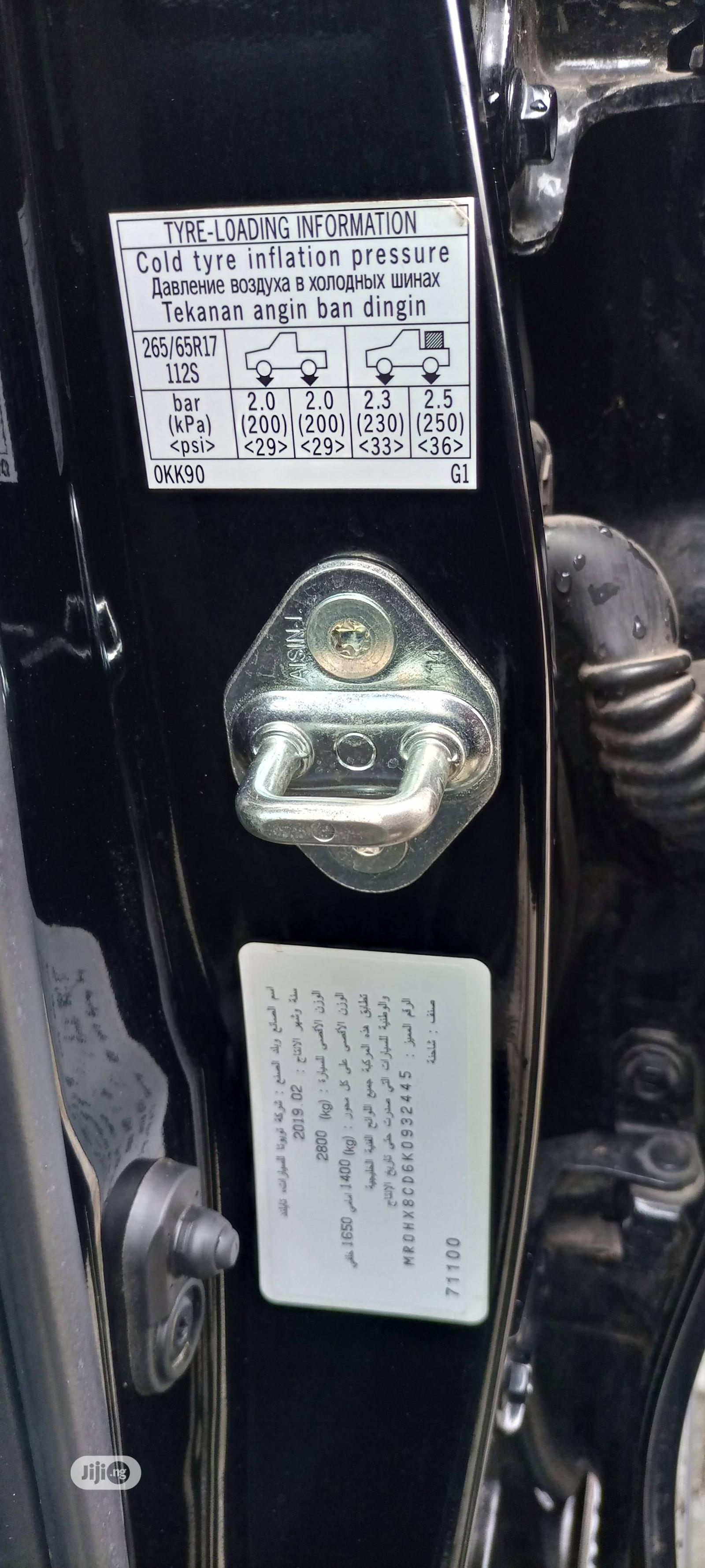 Toyota Hilux 2019 SR5+ 4x4 Black | Cars for sale in Lekki, Lagos State, Nigeria