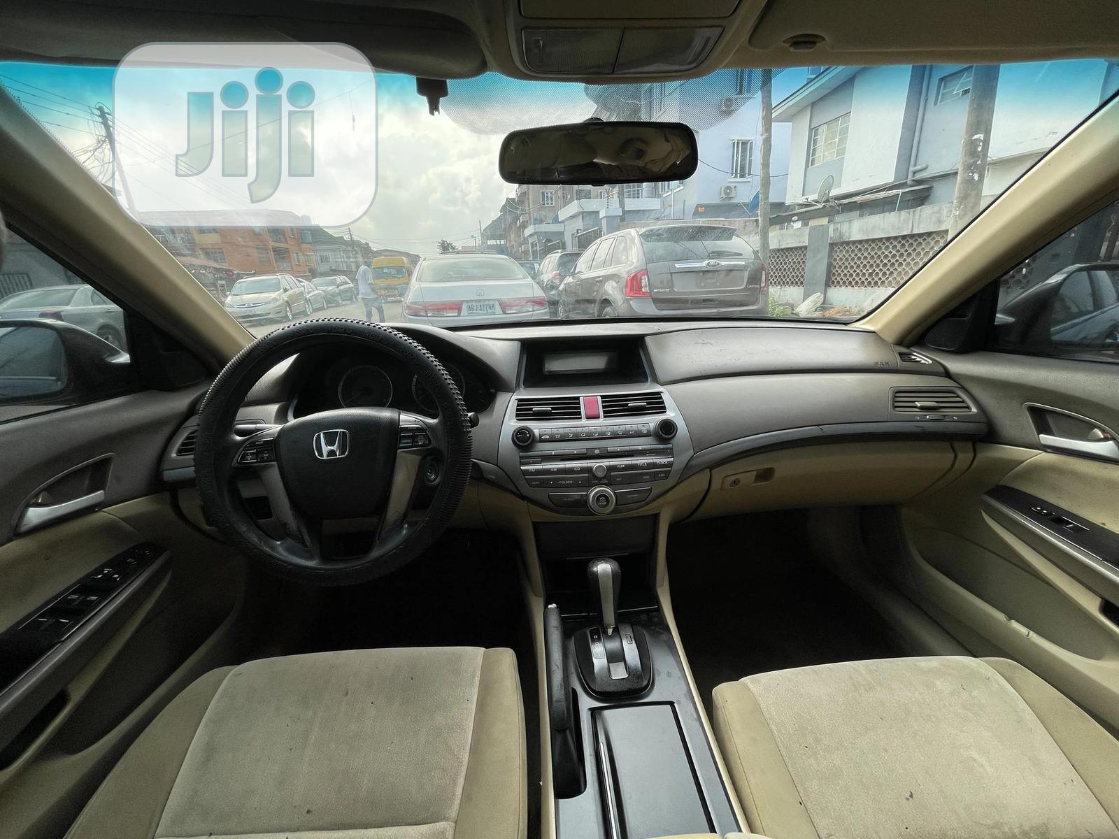 Archive: Honda Accord 2009 2.0 I-Vtec Automatic Black