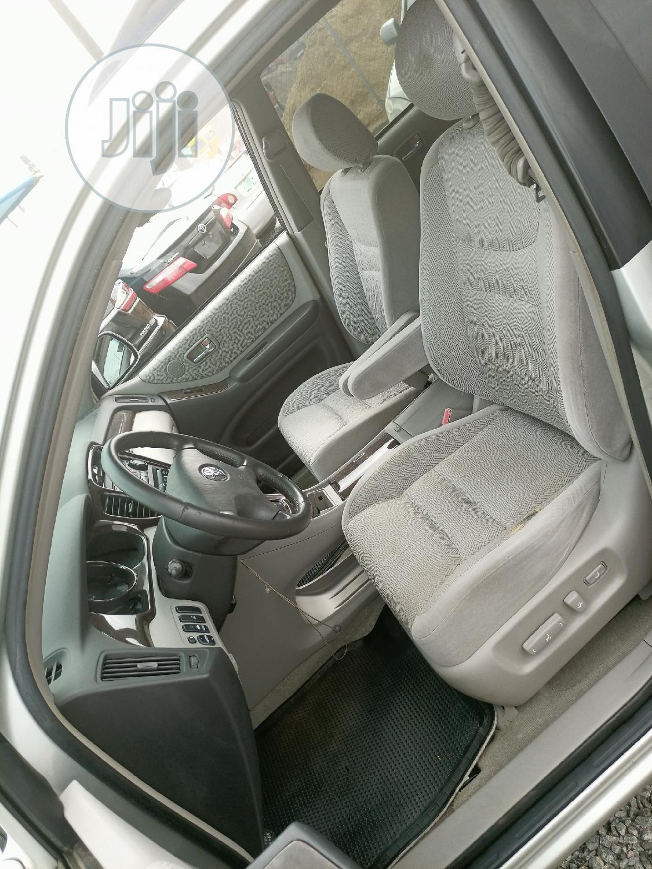 Toyota Highlander 2003 Limited V6 FWD Silver | Cars for sale in Alimosho, Lagos State, Nigeria