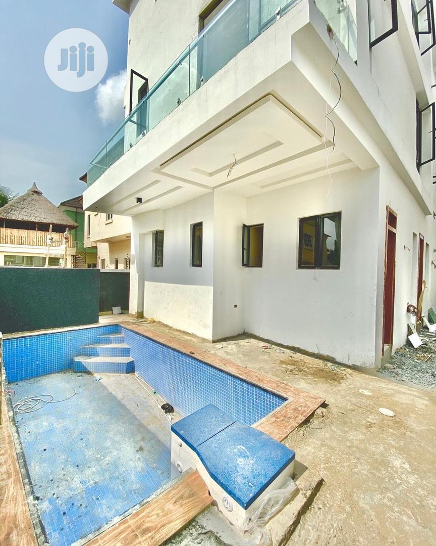 5 Bedrooms Detached Duplex Bq @ Lekki Phase 1 GRA Lagos