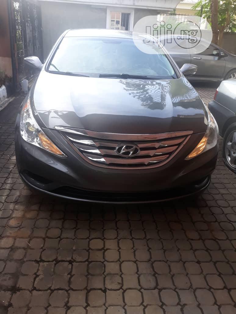 Archive: Hyundai Sonata 2011 Gray