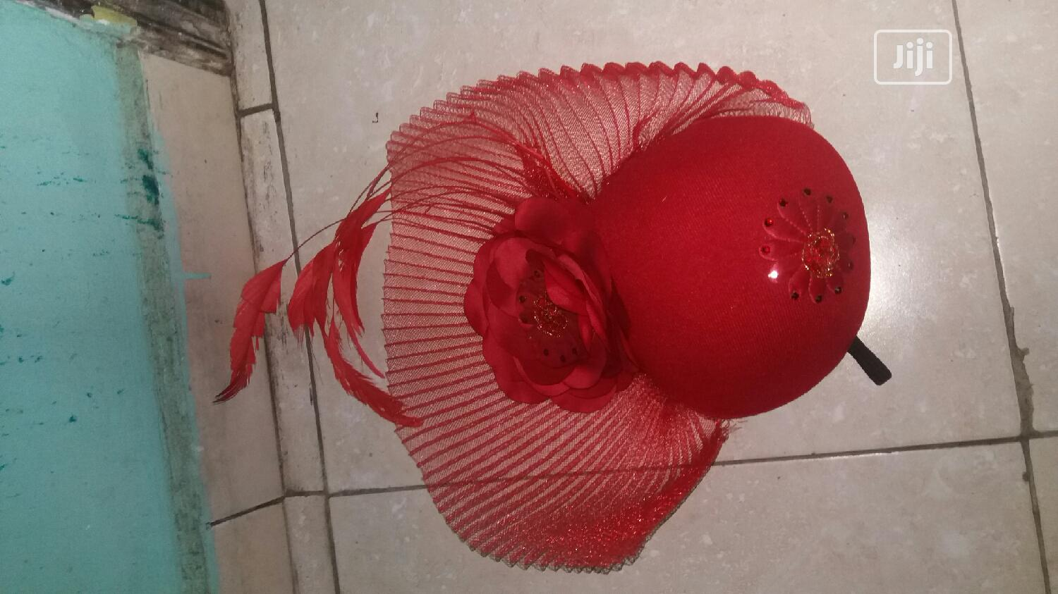 Archive: A Fascinator Hat