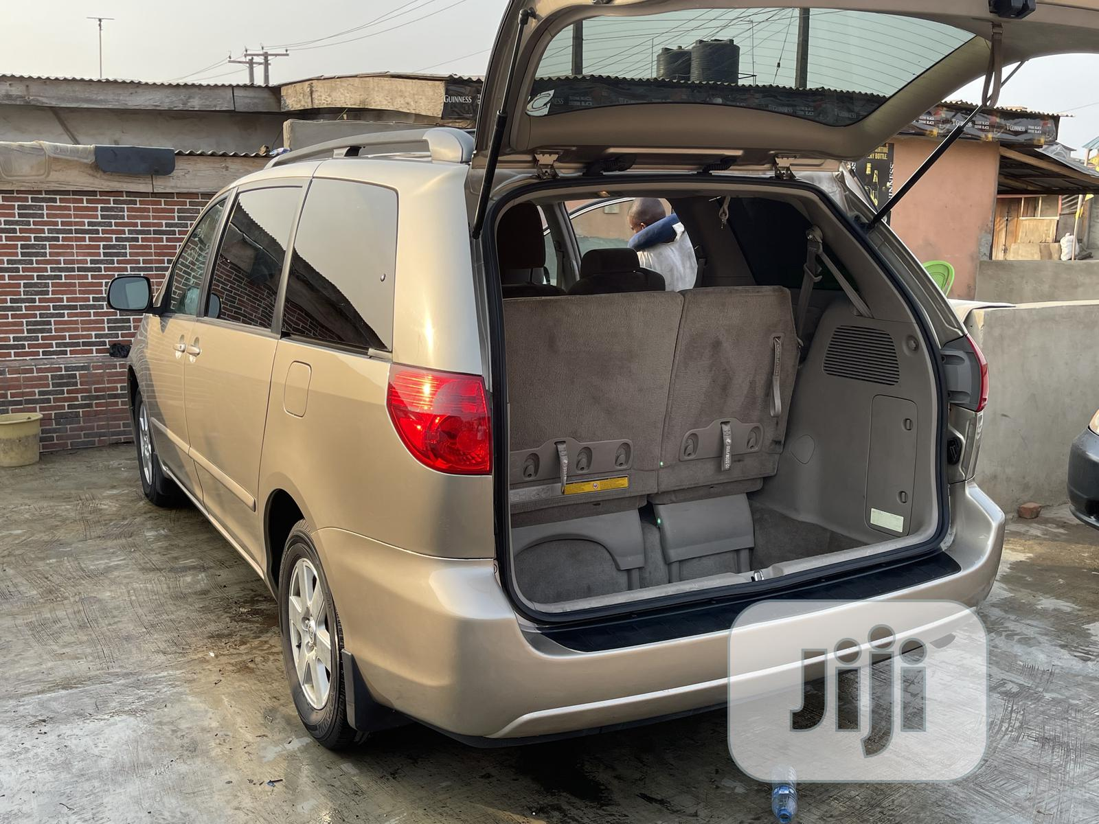 Toyota Sienna 2009 LE Gold | Cars for sale in Ikeja, Lagos State, Nigeria