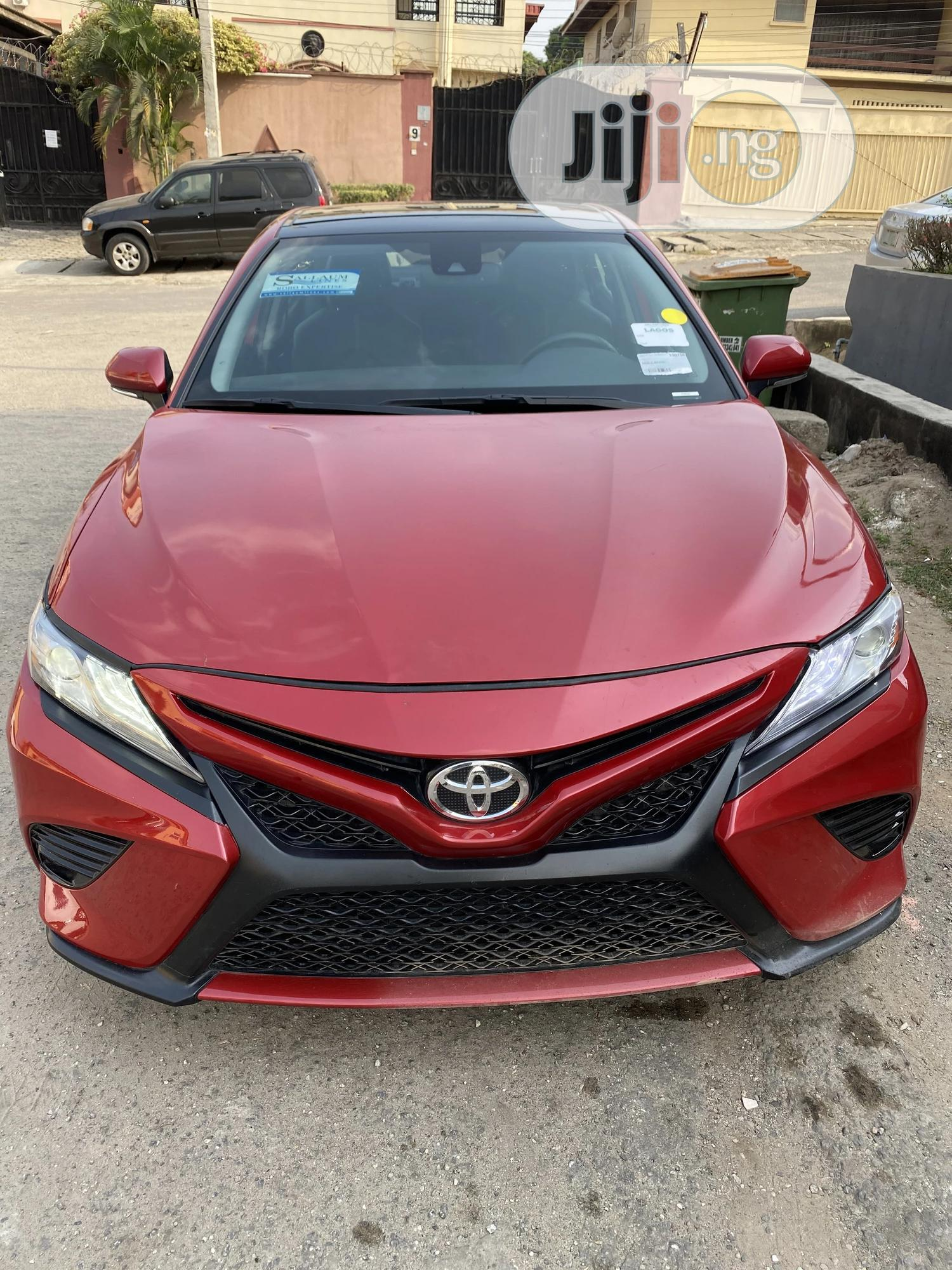 Toyota Camry 2019 Red