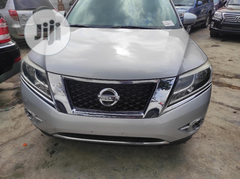Nissan Pathfinder 2014 Silver