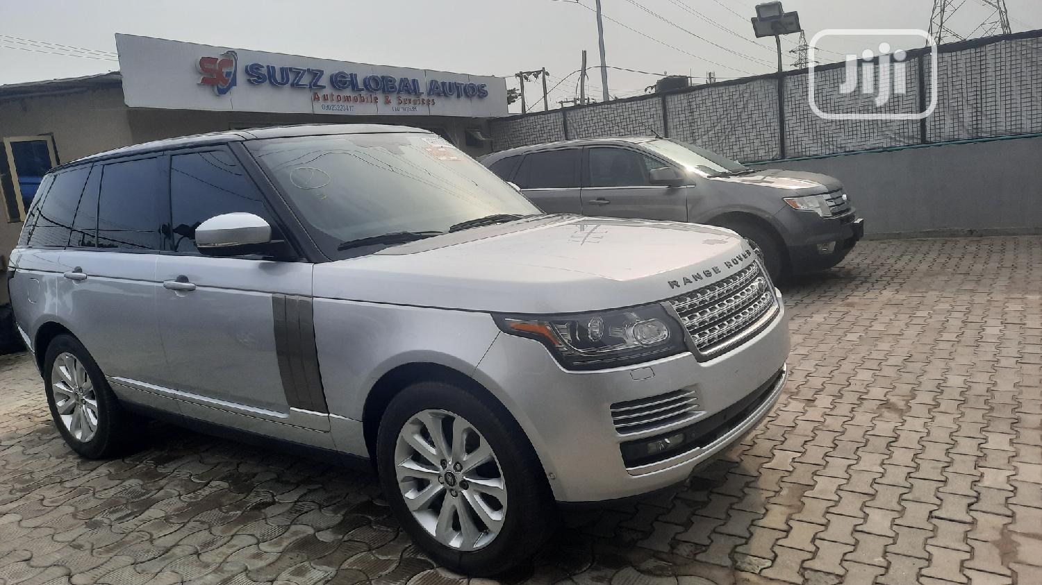 Archive: Land Rover Range Rover 2014 Silver
