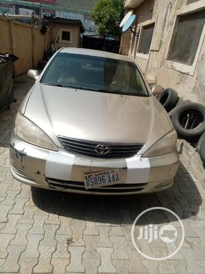 Toyota Camry 2004 Gold   Cars for sale in Abuja (FCT) State, Gwarinpa