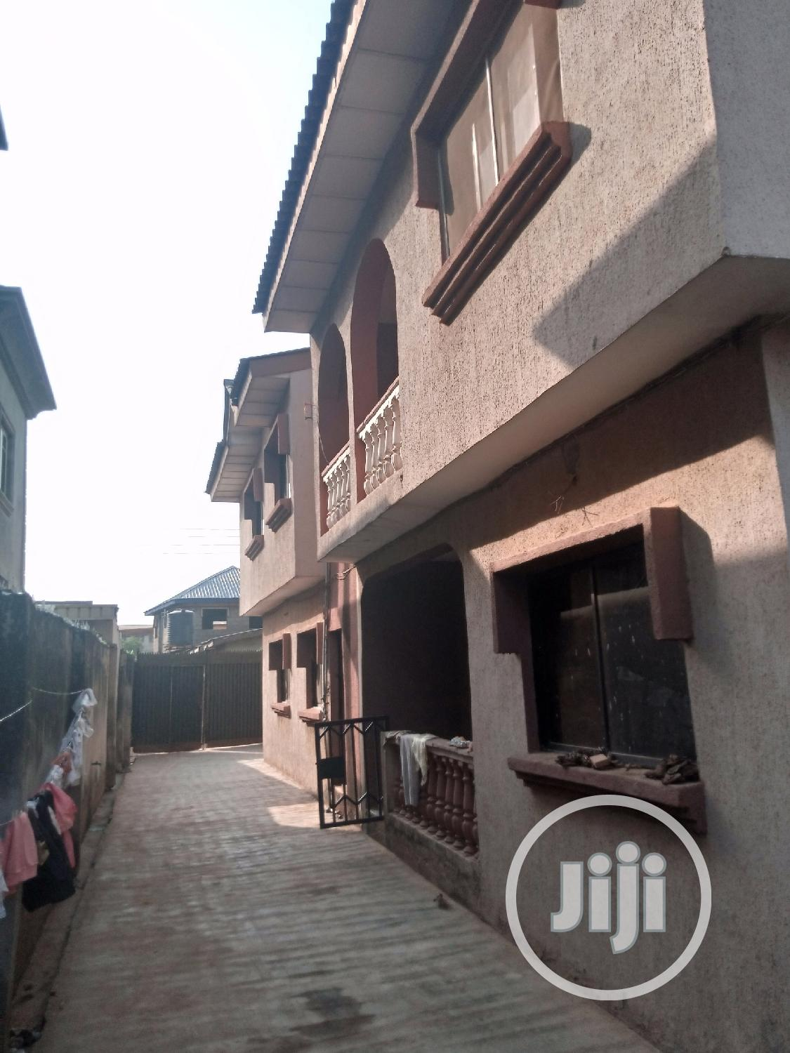 Archive: 4 Numbers of 3 Bedroom Flat Inside Tipper Garage Akute