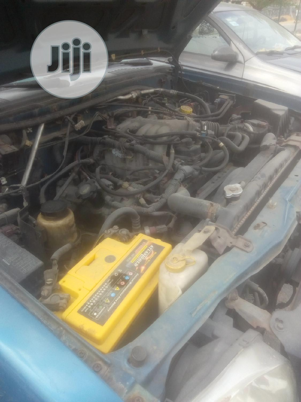 Archive: Nissan Frontier 2002 Blue