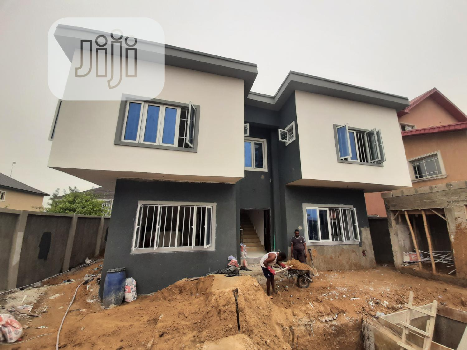 2 Bedroom Flat With Excellent Space Arrangement   Houses & Apartments For Sale for sale in Lekki Phase 2, Lekki, Nigeria