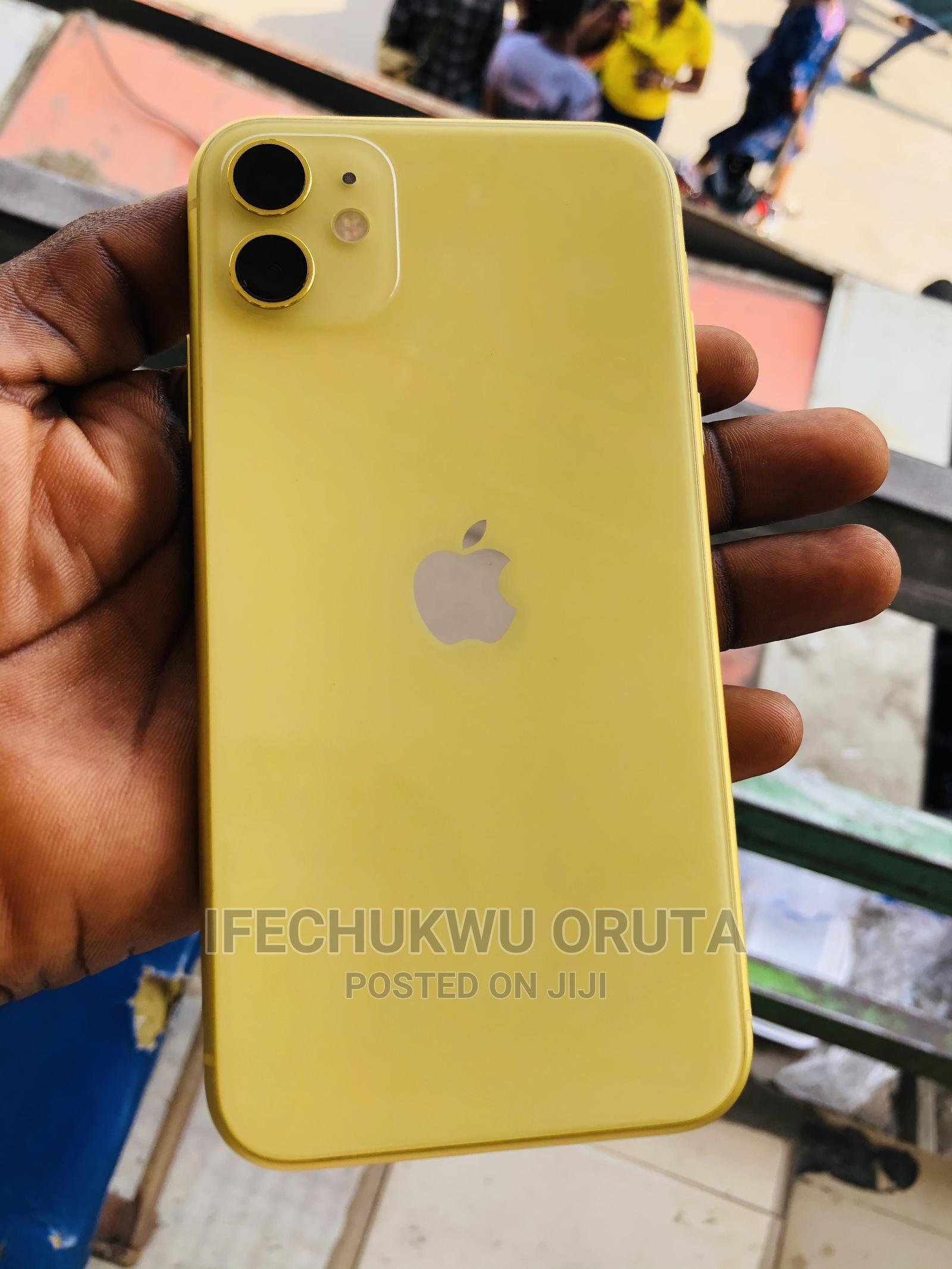Apple iPhone 11 64 GB Yellow   Mobile Phones for sale in Ikeja, Lagos State, Nigeria