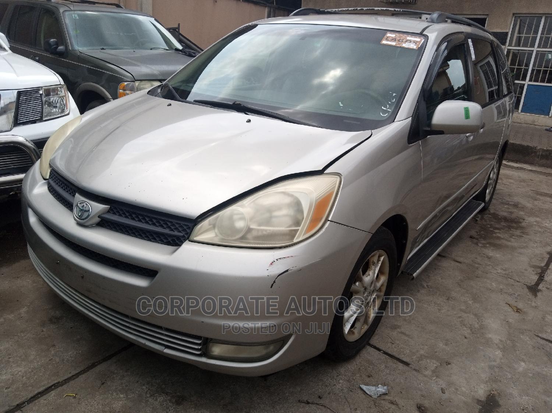 Toyota Sienna 2004 Gold | Cars for sale in Ojodu, Lagos State, Nigeria