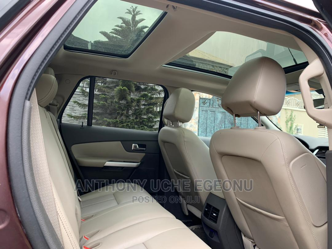 Archive: Ford Edge 2012 Brown