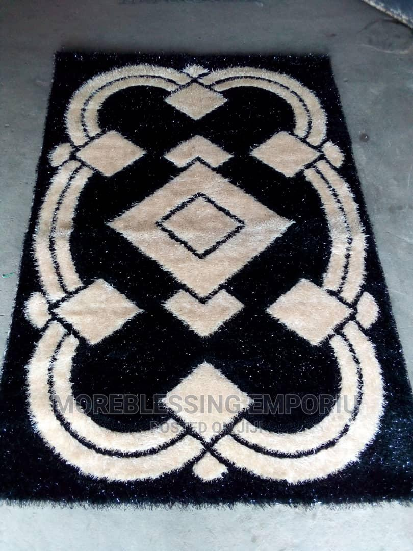Unique 5 by 7 Turkey Shaggy Center Rug