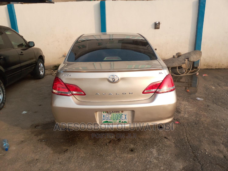 Toyota Avalon 2006 XL Gold | Cars for sale in Ifako-Ijaiye, Lagos State, Nigeria