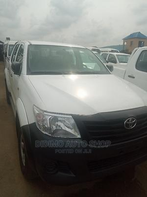 Toyota Hilux 2015 SR5 4x4 White | Cars for sale in Lagos State, Ajah
