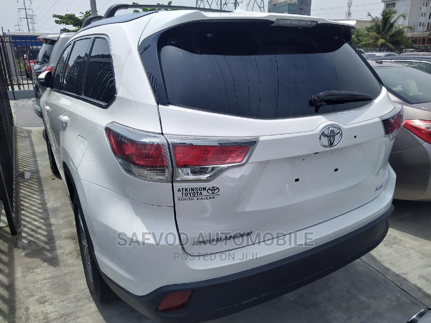 Toyota Highlander 2015 White | Cars for sale in Lekki, Lagos State, Nigeria