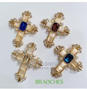 Crusifix Image Brooch   Jewelry for sale in Lagos State, Amuwo-Odofin