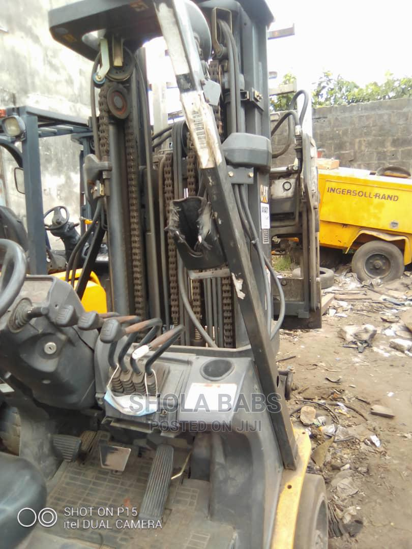 Newly Arrived 3.5 Tons Cat Gas Forklift   Heavy Equipment for sale in Amuwo-Odofin, Lagos State, Nigeria
