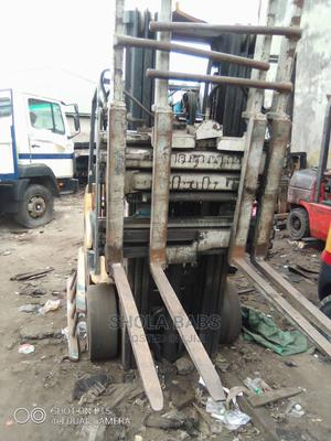 Newly Arrived 3.5 Tons Cat Gas Forklift | Heavy Equipment for sale in Lagos State, Amuwo-Odofin