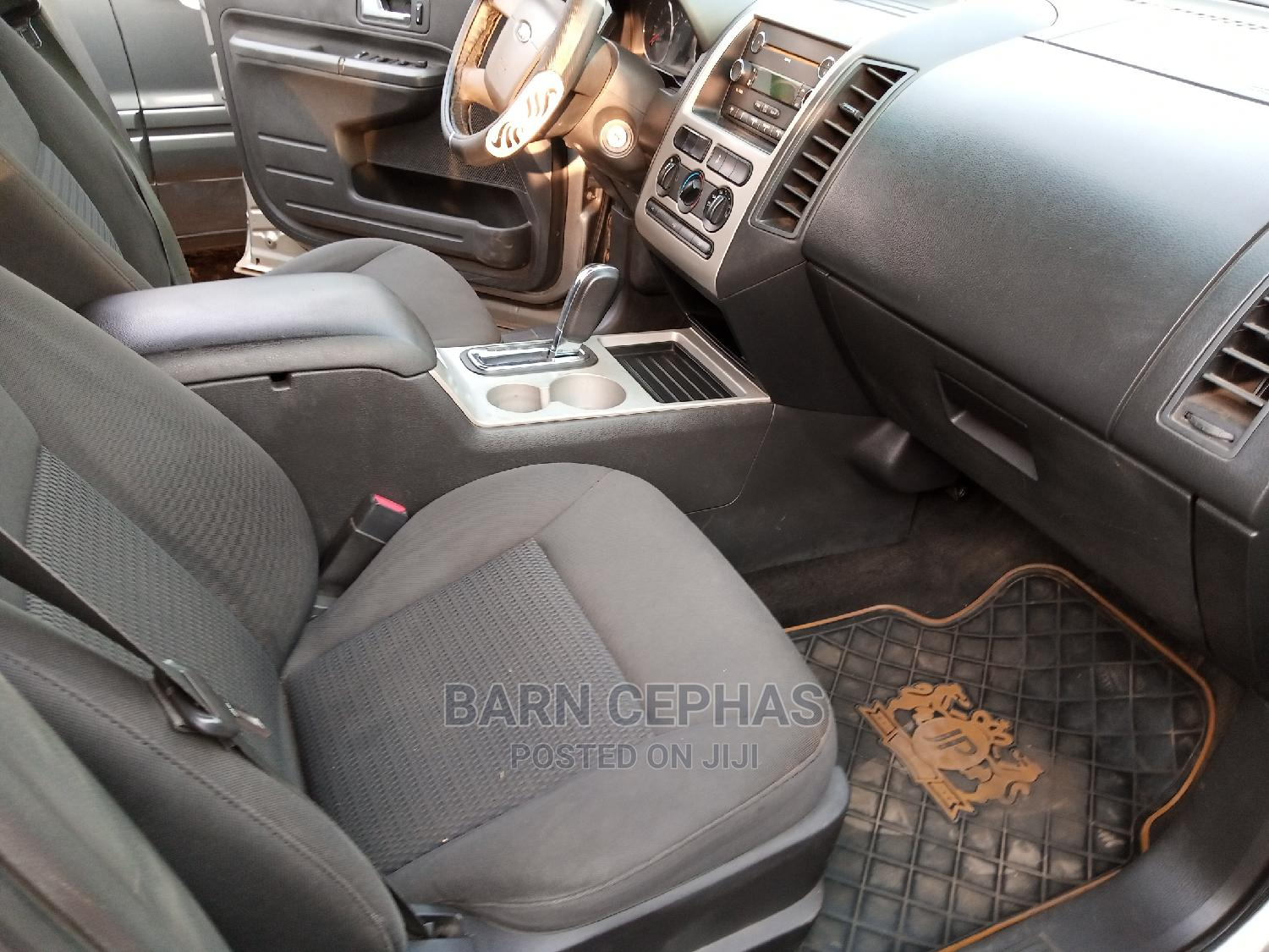 Archive: Ford Edge 2008 Gray