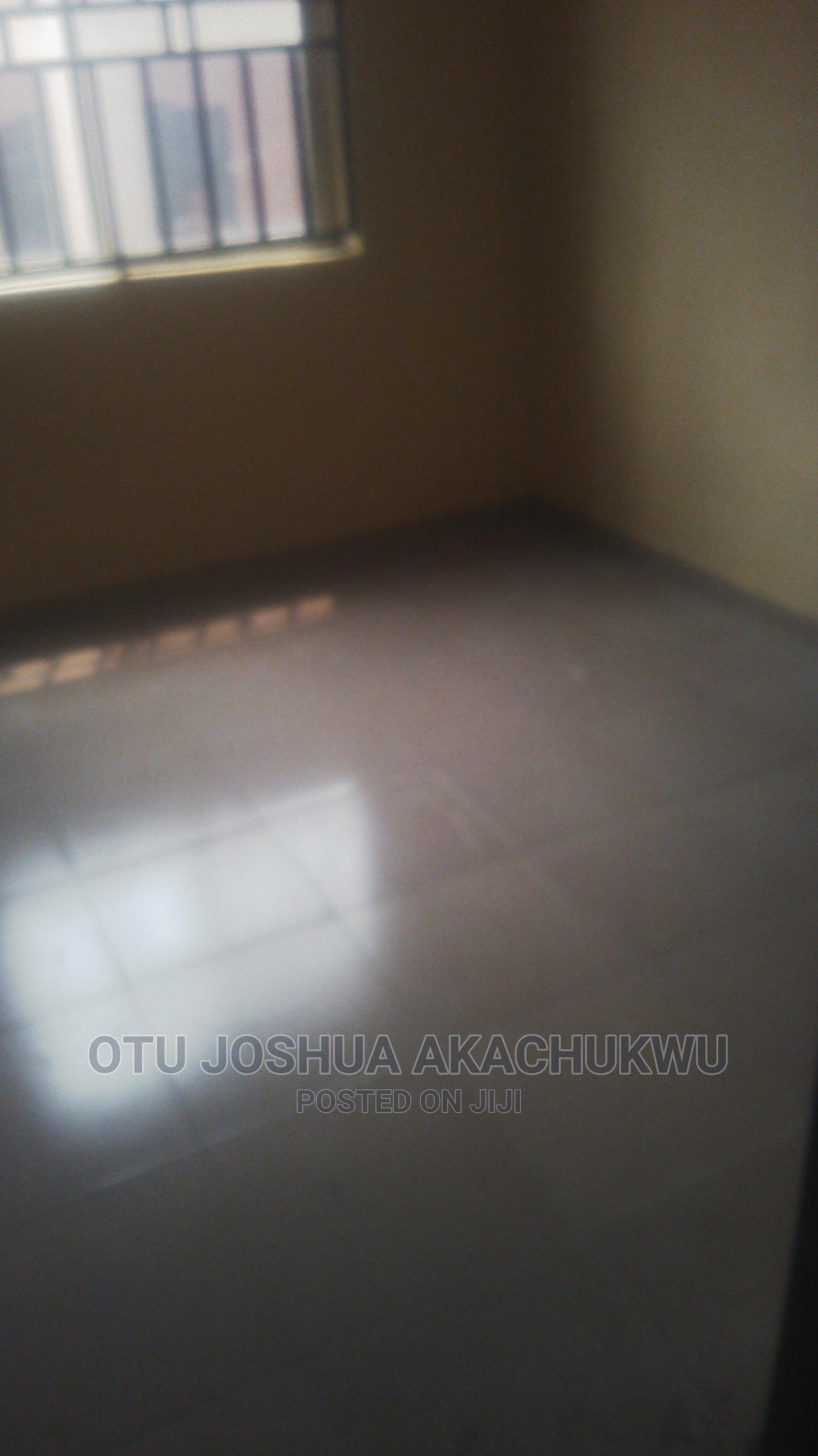 Archive: 3bedroom Flat
