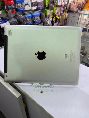 Apple iPad 3 Wi-Fi + Cellular 32 GB Silver   Tablets for sale in Abuja (FCT) State, Wuse 2