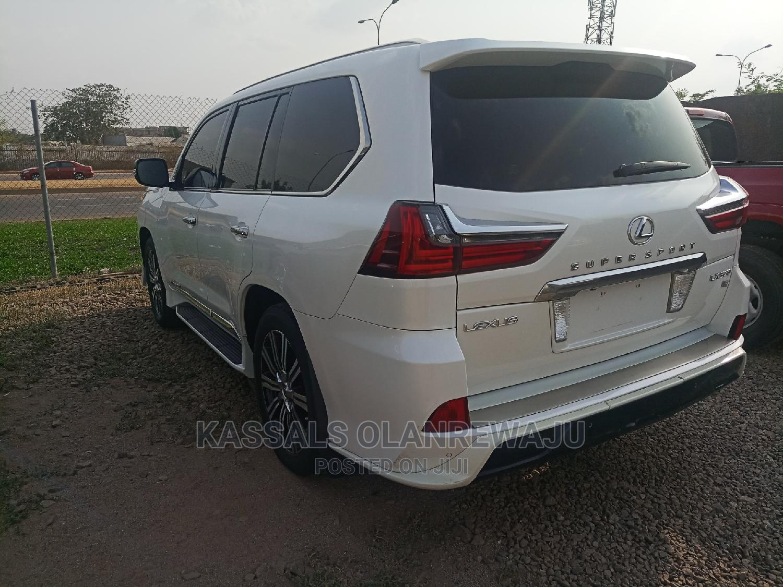 Archive: Lexus LX 2018 570 Three-Row White