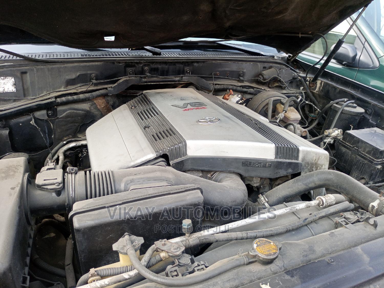 Archive: Lexus LX 2001 Black