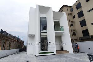 Sophisticated Contemporary 5 Bedroom Fully Detached Duplex   Houses & Apartments For Sale for sale in Lekki, Ikota