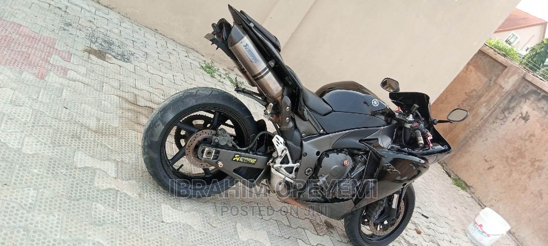 Archive: Yamaha R1 2010 Black