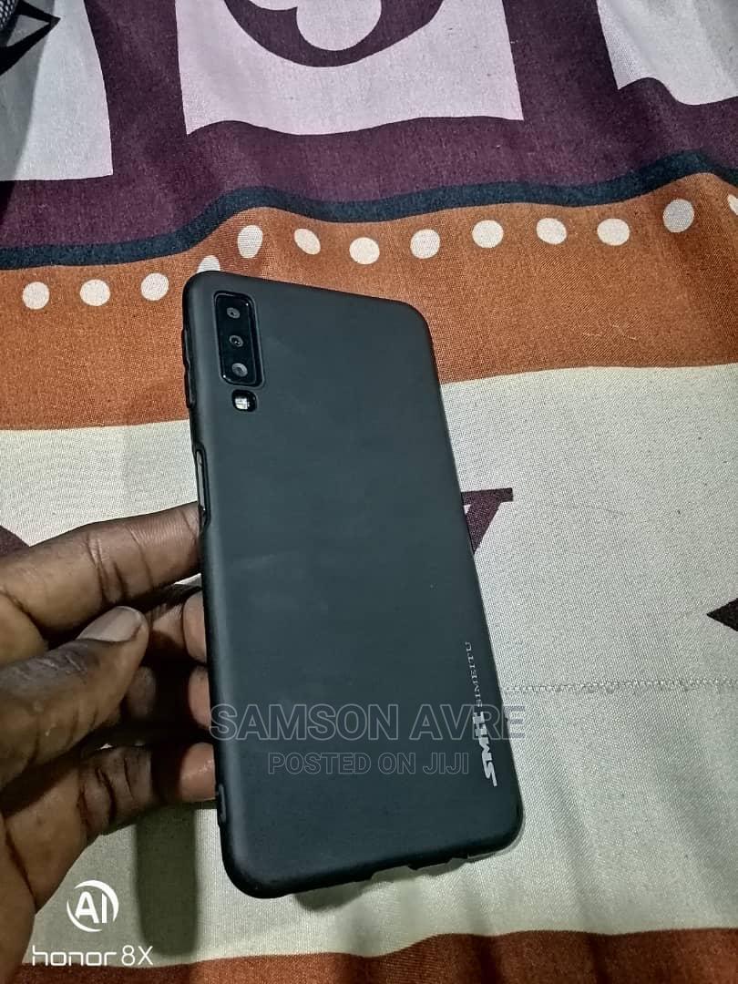 Archive: Samsung Galaxy A7 64 GB Black