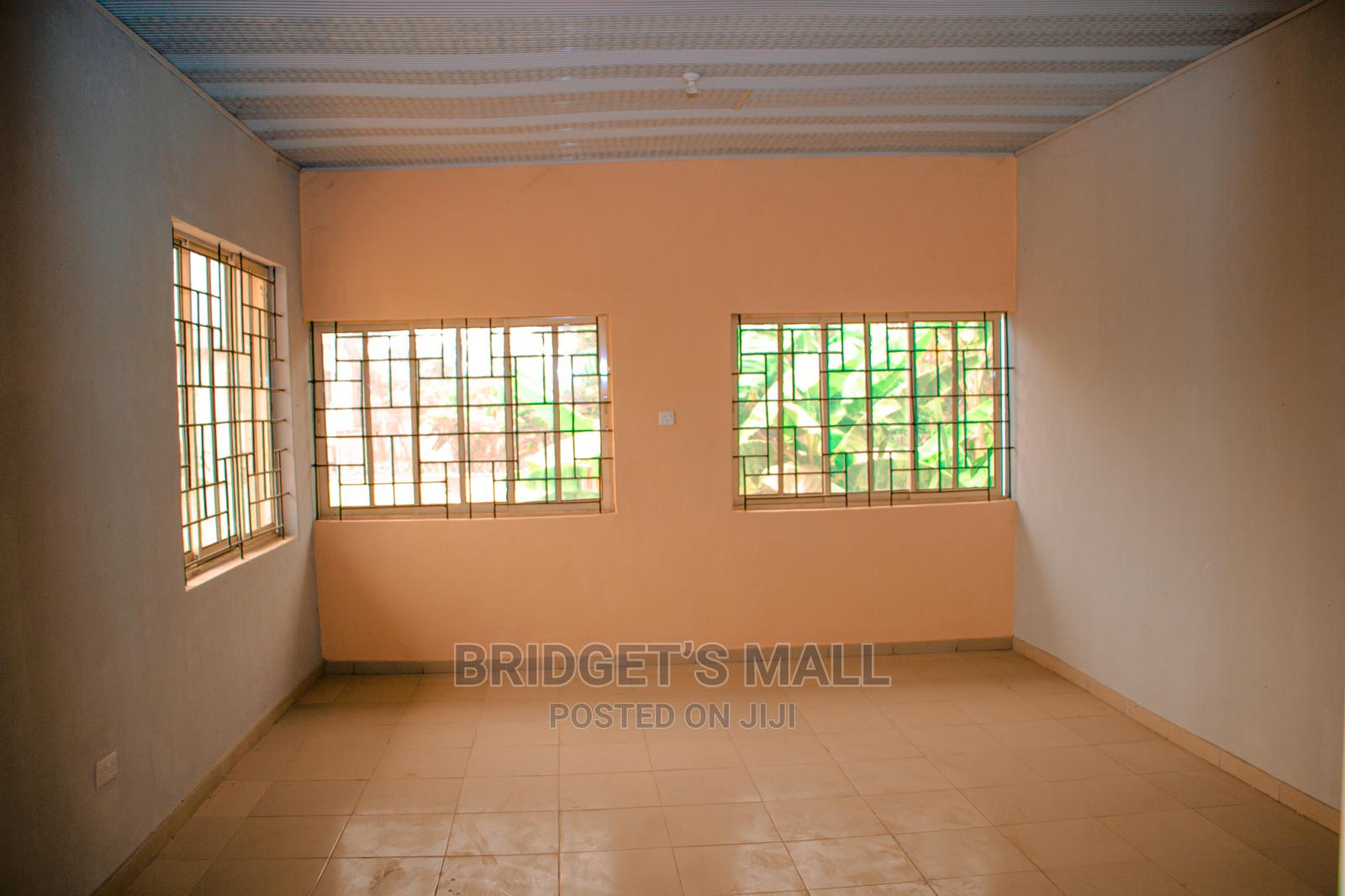 Archive: Shops for Let Within Bridget's Mall in Ile-Ife