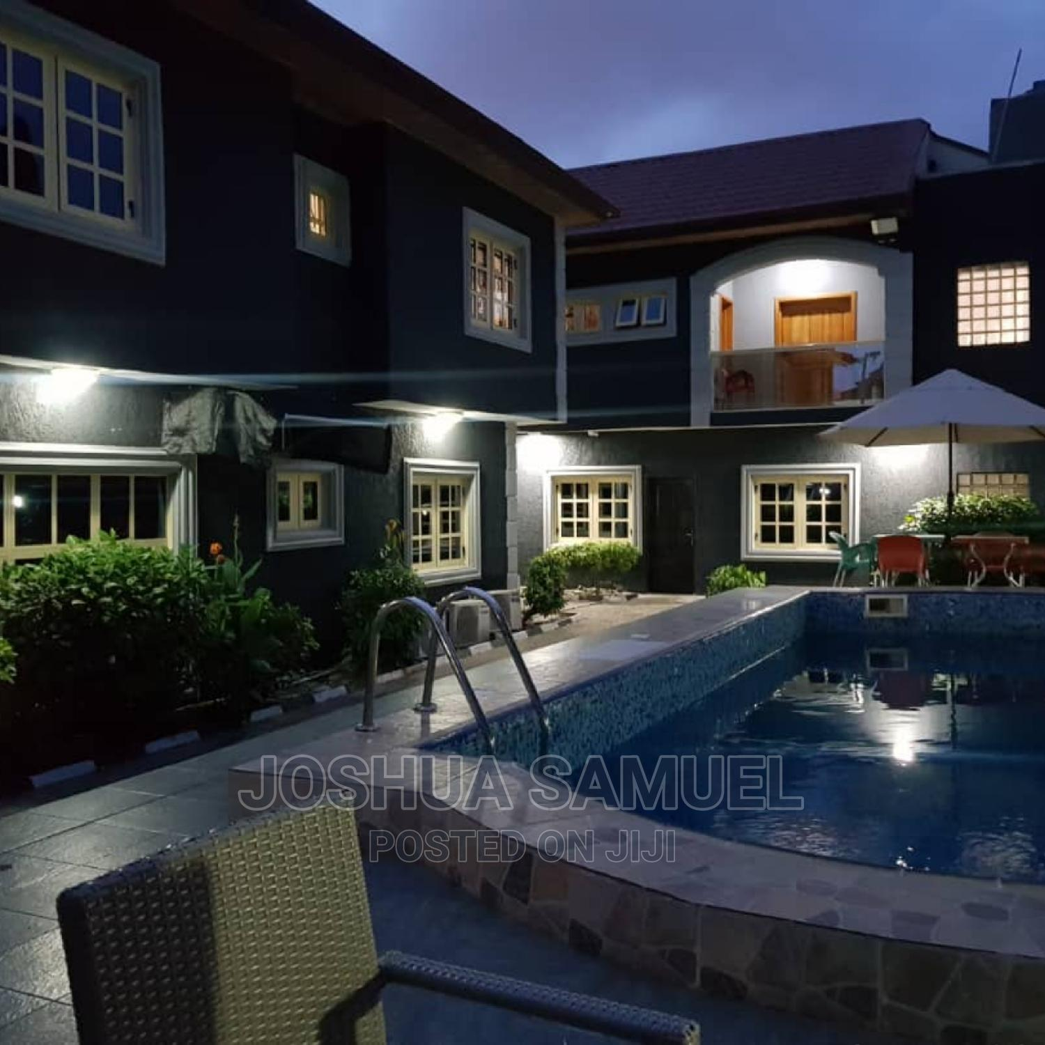 3 Bedroom Flat With a Pool at Lekki Phase 1