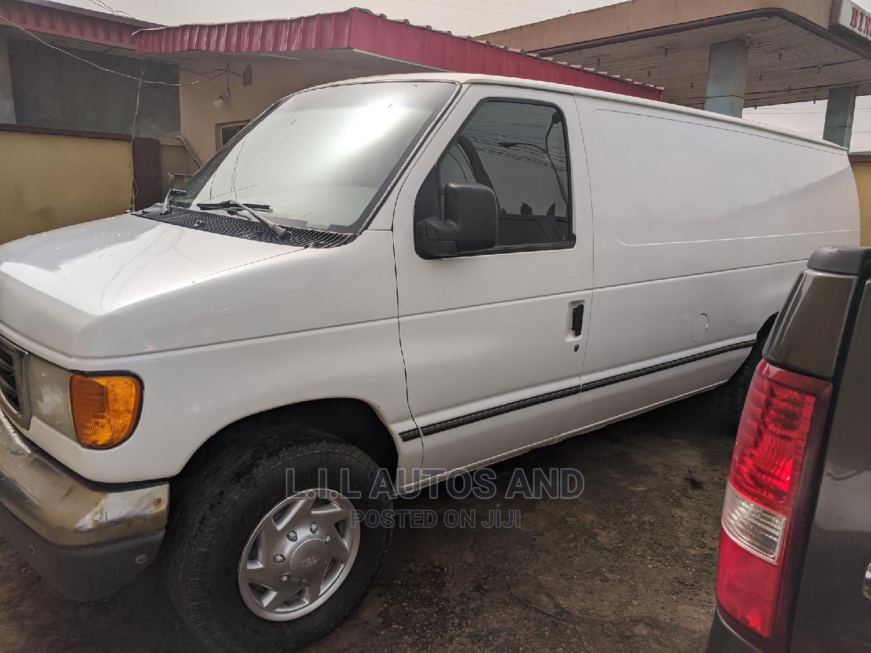 Archive: Ford E-350 2007 Van Super Duty White